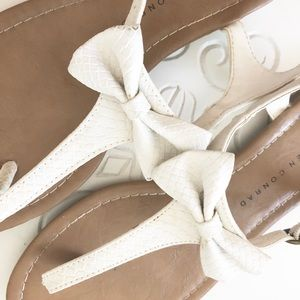 LC Lauren Conrad Shoes - LC sandals with white bows 🎀